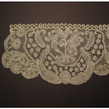 Antique lace handkerchief from England 17 x 35 cm