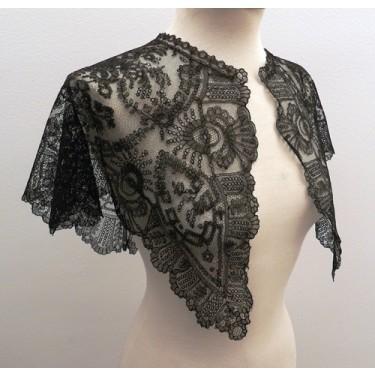 Lace mantelet for woman 66 x 66 cm