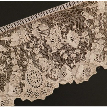 Antique lace strip from Brussels (Belgium) 365 x 10,3 cm #A1936