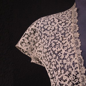 Antique lace shawl from Mechelen (Belgium) 72 x 80 cm #A0805