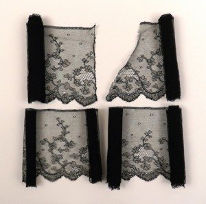 Antique lace strip from Chantilly, in 4 pieces, 409 x 16 cm