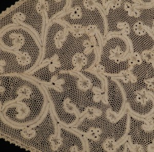 Old lace from Milan (Italy) Ø 76 cm #A0806