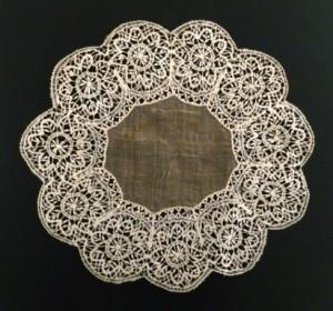 Antique lace handkerchief from Almagro (Spain) Ø 38 cm #A1405