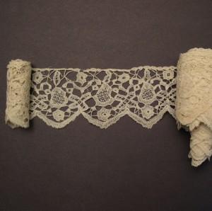 Antique lace strip from Bruges (Belgium)