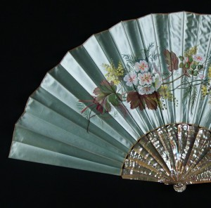 Antique fan from the time of Alphonse XII, Spain. 65 cm #D0007