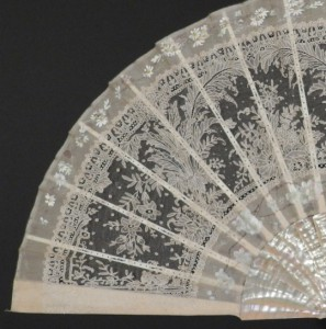 Antique fan from Brussels (Belgium) or France, c. 1890; 35 cm #D0302