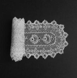 Antique lace cravat from England (United Kingdom) 102 x 10 cm #A0614