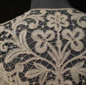 Antique lace collar from Bruges (Belgium) 46 x 53 cm #A0704